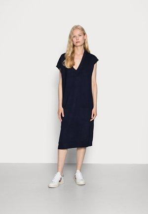 VEST - Stickad klänning - dark indigo