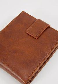 Burton Menswear London - COPP CUFF WALLET SET - Wallet - brown - 2