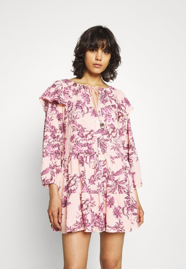 SUNBAKED SWING DRESS - Korte jurk - peach combo