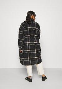 Vero Moda Curve - VMCHRISSIE LONG SHIRT - Summer jacket - dark grey melange - 2