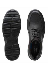 Clarks - BRADLEY VIBE - Sneakers laag - black leather - 3