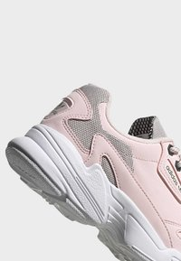 adidas Originals - SHOES - Matalavartiset tennarit - pink - 8