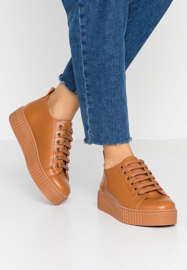 BURMEL - Sneakers laag - coganc