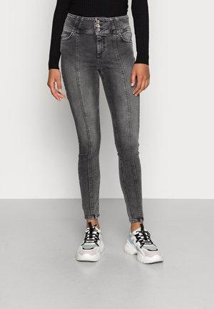 ONLBLUSH LIFE WIDE - Jeans Skinny Fit - grey denim