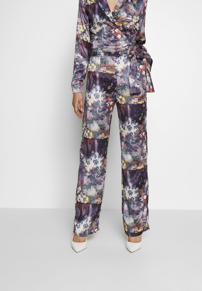 Missguided - FLORAL TROUSERS - Pantalones - purple