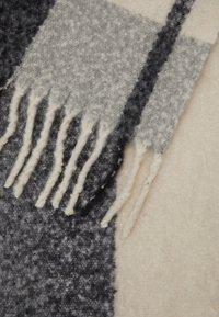 Pieces - PCBEA LONG SCARF - Szal - dark grey melange - 2