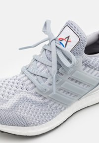 adidas Performance - ULTRABOOST DNA UNISEX - Sneakers - halo silver/dash grey - 7