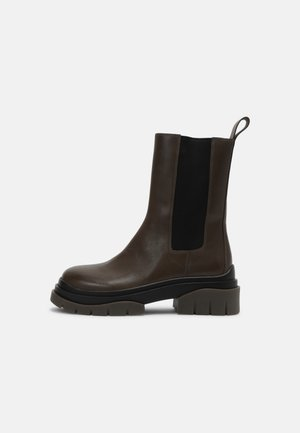 STORM - Platform boots - mud/black