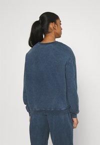 Topshop - ACID WASH - Sweatshirt - denim blue - 2