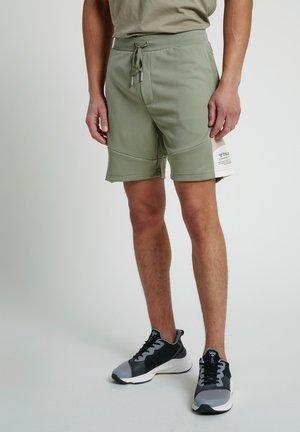 HMLALEC  - Sports shorts - vetiver