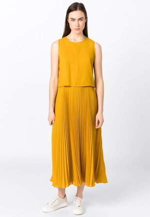 TWO-IN-ONE - Day dress - safran
