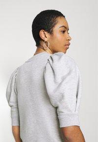 Second Female - DAWNI TEE - T-shirt imprimé - grey melange - 3