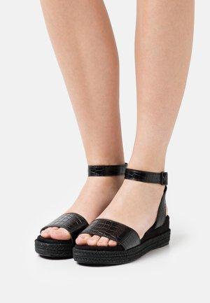 HELI  - Sandály na platformě - black