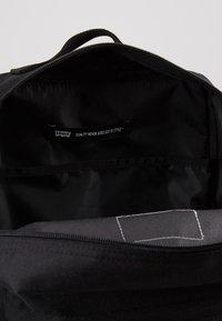 Levi's® - PACK STANDARD ISSUE - Reppu - regular black - 4