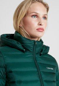 Calvin Klein - ESSENTIAL LIGHT COAT - Down coat - dark green - 4