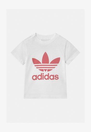 TREFOIL TEE UNISEX - Print T-shirt - white/hazy rose