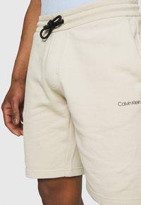 Calvin Klein - SMALL LOGO - Short - beige - 5