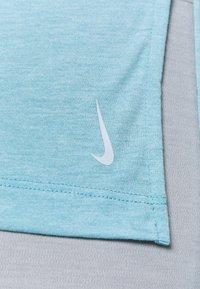 Nike Performance - LAYER - T-shirt basique - cerulean heather/glacier blue/light armory blue - 3