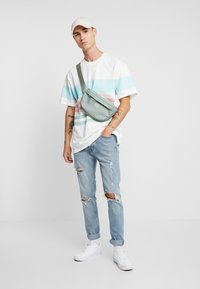 Topman - BLOWOUT - Jeans Skinny Fit - blue - 1