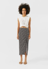 Stradivarius - Pencil skirt - brown - 1