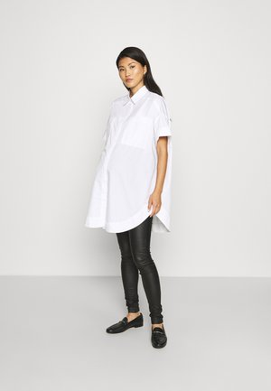 PCMSILLU NEW OVERSIZED SHIRT - Button-down blouse - bright white