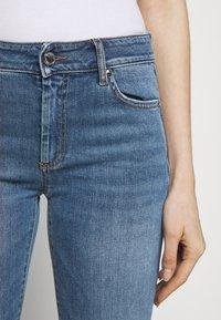 Sportmax - BERMA - Flared Jeans - nachtblau - 4