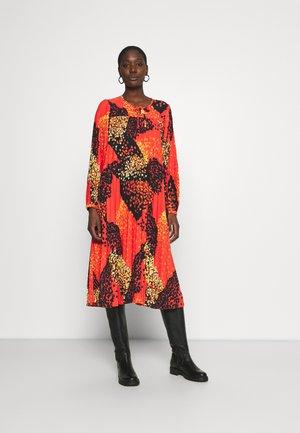 RECINA GOLD RAIN DASILLA - Day dress - black/red
