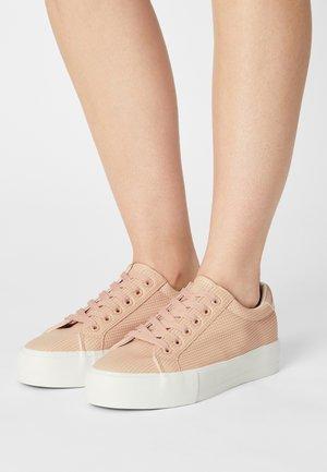 COMFORT - Sneakers basse - light pink