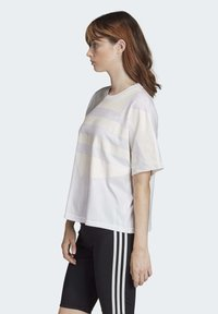 adidas Originals - LARGE LOGO T-SHIRT - Print T-shirt - white - 3