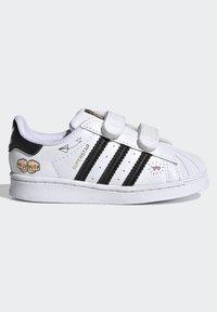adidas Originals - SUPERSTAR SHOES - Sneakers laag - ftwr white/core black/gold met. - 6