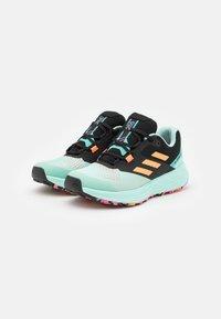 adidas Performance - TERREX TWO FLOW - Stabile løpesko - clear mint/hazy orange/screaming pink - 1
