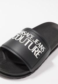 Versace Jeans Couture - Ciabattine - nero - 2