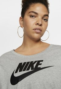 Nike Sportswear - FUTURA PLUS - Print T-shirt - dark grey heather/black - 3