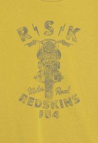 Redskins - QUIET - Long sleeved top - OCHRE - 3