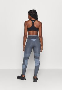 Hummel - SKY HIGH WAIST SEAMLESS - Leggings - black/faded denim - 2
