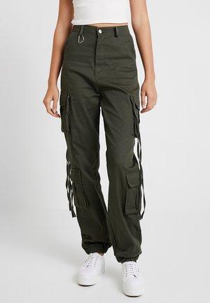 HIGH WAISTED CUFFED CARGO TROUSERS - Trousers - khaki