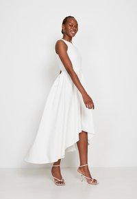 True Violet - Cocktail dress / Party dress - off-white - 3