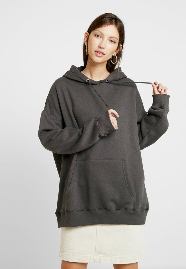 OVERSIZED HOODIE - Jersey con capucha - off black