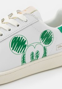 MOA - Master of Arts - GALLERY - Trainers - green - 6