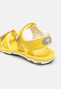 Hummel - SPORT UNISEX - Sandals - yellow - 4