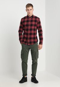 Only & Sons - ONSGUDMUND CHECKED - Shirt - maroon - 1