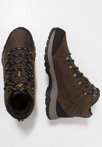 Columbia - TERREBONNE II MID OUTDRY - Trekking boots/ Trekking støvler - mud/curry - 1