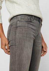 Vero Moda - VMTANYA - Jeans Slim Fit - light grey denim - 3