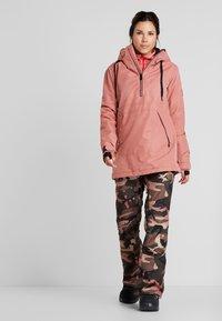 Volcom - FERN INS GORE - Snowboard jacket - mauve - 1
