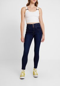 New Look - SUPER - Jeans Skinny Fit - mid blue - 0