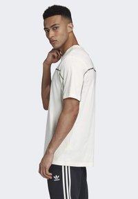 adidas Originals - R.Y.V. T-SHIRT - Print T-shirt - white - 3