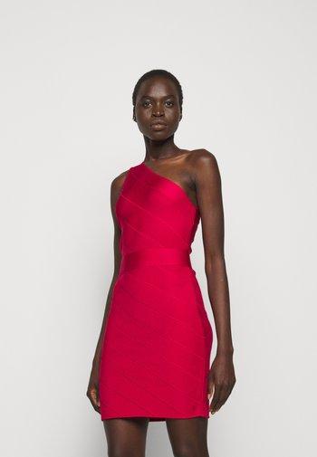 ONE SHOULDER DRESS - Pouzdrové šaty - rio red