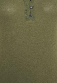GAP - HENLEY - Long sleeved top - army jacket green - 2