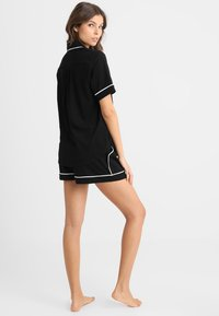 DKNY Intimates - TOP BOXER PJ - Pyjama set - black - 2