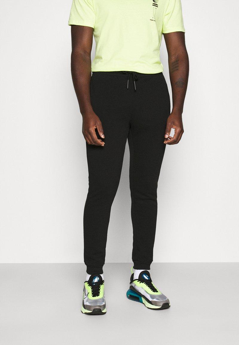 Only & Sons - ONSCERES LIFE PANTS - Jogginghose - black